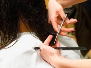 长发在孕期和月子期间不好打理,你们怀孕的时候会剪短头发吗?
