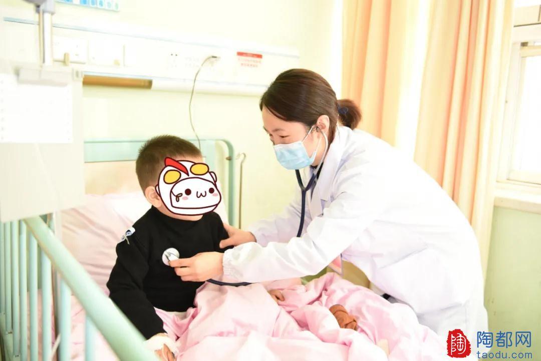 """宜兴3岁男童突然""""抽风"""",妈妈毫不犹豫地将手指塞进孩子嘴里······"""